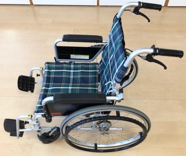 自走兼介助式車椅子