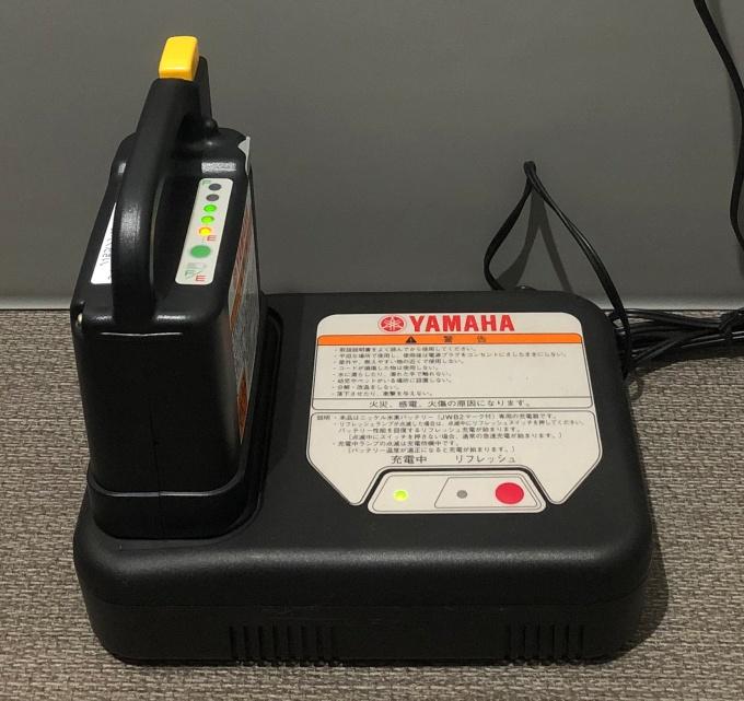 車椅子のバッテリー充電器