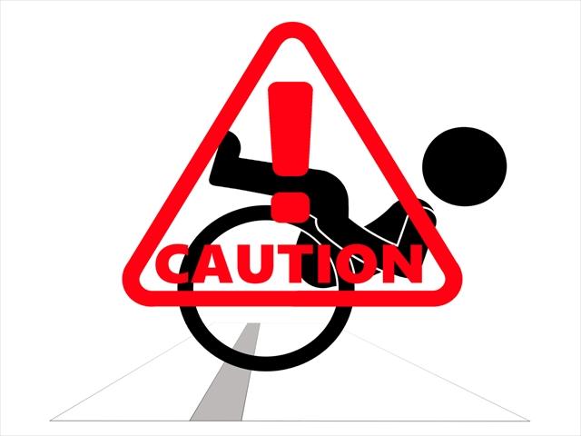 車椅子転倒注意マーク