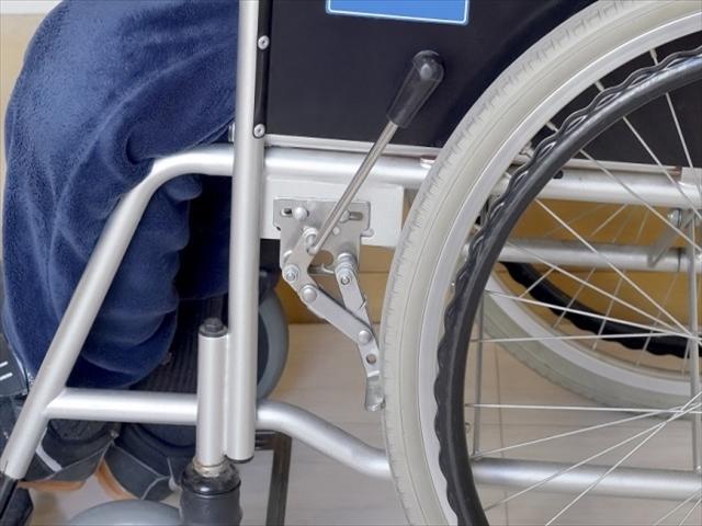 車椅子のブレーキ