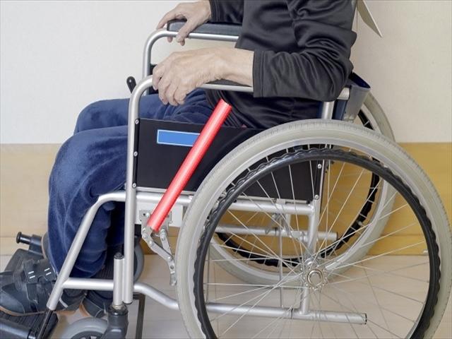 車椅子のブレーキ延長棒