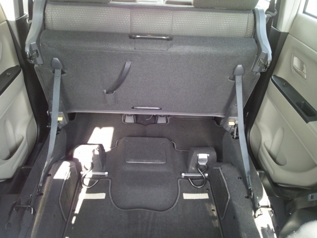 車椅子乗車で後部座席折り畳み